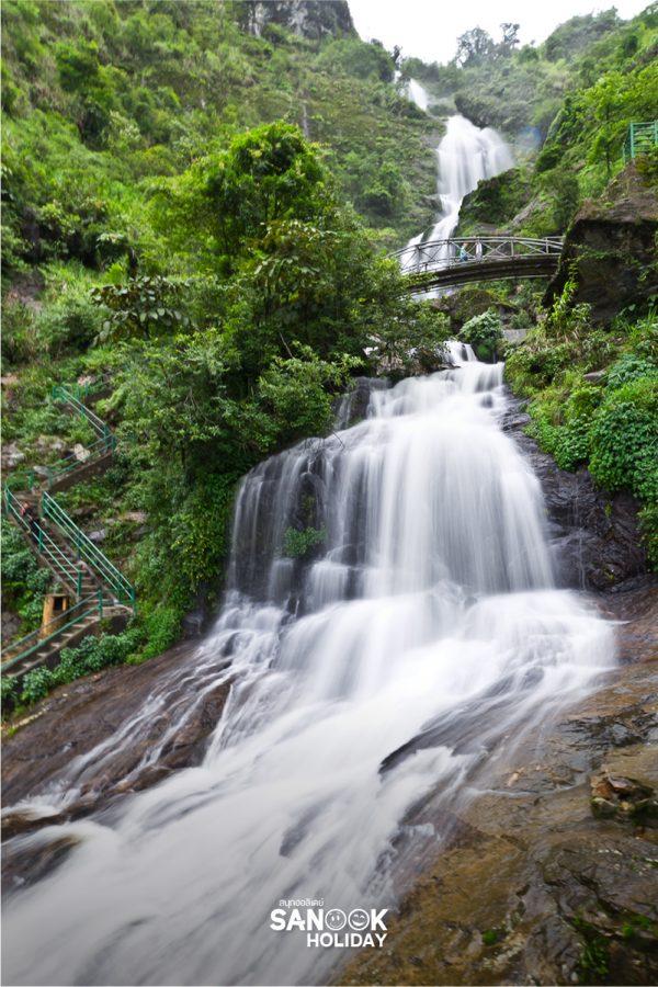 น้ำตกสีเงิน (Silver Waterfall)